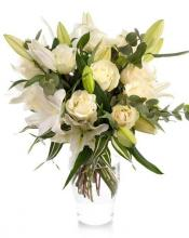 Bouquet of white roses, lilies and Chrysanthemums