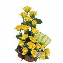 18 yellow roses basket