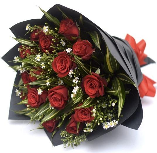 12 Red Roses Bouquet | Online Gift and Flowers